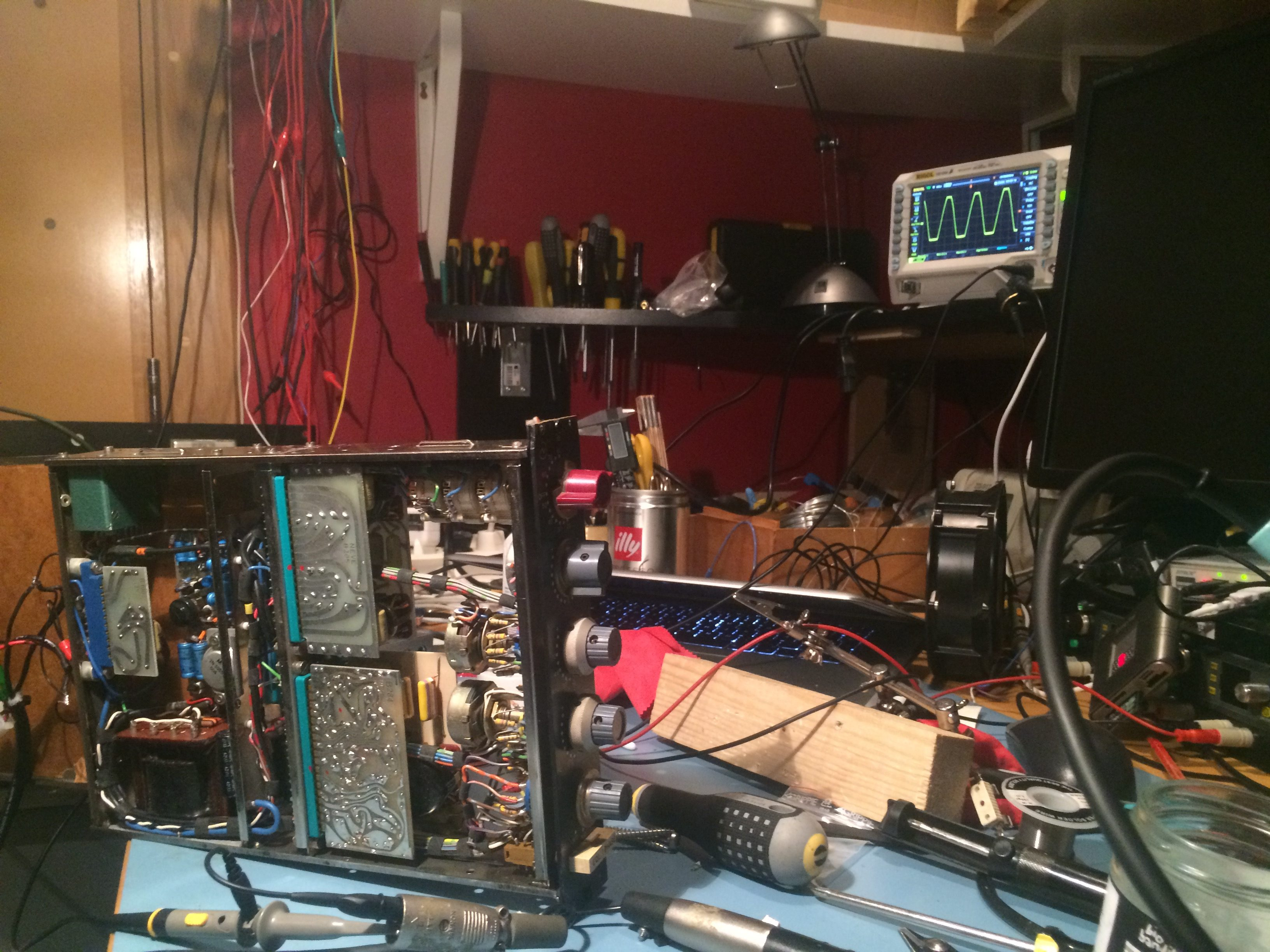 Audio equipment repair & service – Frostbox Labs